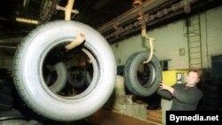 "Belarus -- ""Belshina"" truck tires factory, production of tires, Babruisk city, Feb-2002"