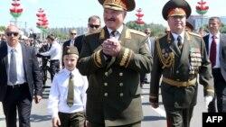 Александр Лукашенко с сыном Николаем
