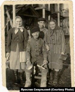 Ссыльные Свидетели Иеговы на работах в Сибири. 1960 г.