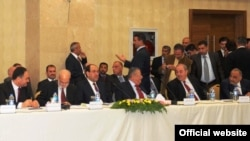 قادة عراقيون في إجتماع بأربيل