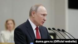 Владимир Путин 10 марта 2020 принимает предложение Валентины Терешковой