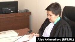 Талдықорған қалалық сотының судьясы Сара Жаңбырбаева. Талдықорған, 14 қаңтар 2015 жыл.