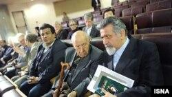 برگزاری همایش روز جهانی فلسفه در تهران با مخالفت برخی از فیلسوفان نامدار چون یورگن هابرماس روبرو شده است.