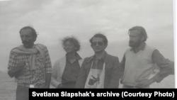 Греция, 1984. Слева Владимир Миянович, политзаключенный, получил паспорт после освобождения