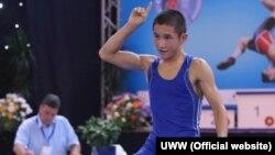 Эркин күрөштөн кадеттер арасында дүйнө чемпиондугу, 42 кг.салмактагы коло байген ээси Ирсалбек Нурахмет. 29-август, 2015-ж.