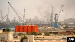 Морской порт в ливийском городе Мисрата (архивное фото)