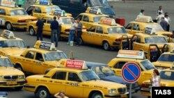 1 январдан бошлаб Ўзбекистон вилоятларидаги таксилар барчаси сариқ рангда бўлади.