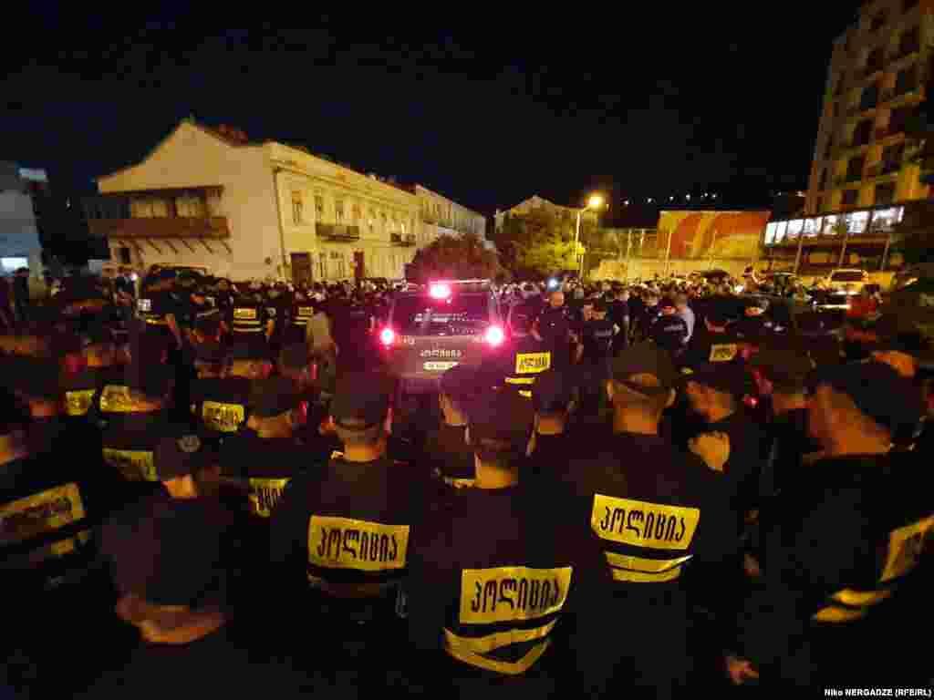 """31 მაისს შინაგან საქმეთა სამინისტრომ განაცხადა, რომ """"თბილის პრაიდის"""" მონაწილეებს სახელმწიფო ვერ მისცემს უსაფრთხოების გარანტიებს."""