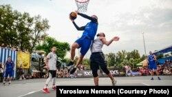 У першому етапі чемпіонату України з баскетболу 3×3 серед чоловіків найсильнішою стала команда «Динамо-Одеса»