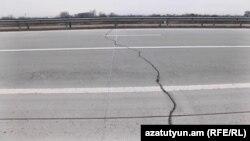 Հյուսիս-հարավ ճանապարհի Երևան - Արտաշատ հատվածի վերին շերտն արդեն քայքայվում է