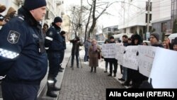 Protest la ANRE. PAS a cerut reducerea tarifelor la gazele naturale