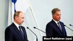 Vladimir Putin (majtas) dhe Sauli Niinisto, gjatë konferemncës së sotme për shtyp