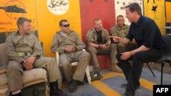 Kryeministri britanik Dejvid Kamerun, gjatë vizitës së ushtarëve britanikë në provincën Helmand në muajin korrik të këtij viti