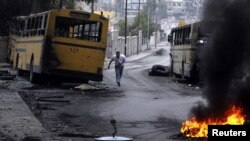 Линия фронта между правительственными войсками и повстанческой Свободной армией Сирии в Алеппо. 17 октября 2012 года.