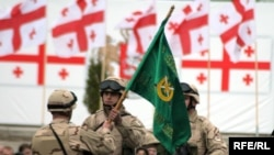 ქართველი ჯარისკაცები ავღანეთში გამგზავრების წინ, 07.04.2010