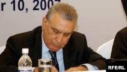 Prezident Administrasiyasının rəhbəri Ramiz Mehdiyev yazıçılara cavab verib