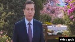 Президент Узбекистана Шавкат Мирзияев поздравил народ Узбекистана с «Наврузом» по телевидению.
