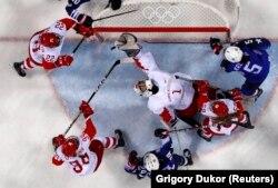 Ак киемдә Русиянең хатын-кызлар хоккей такымы