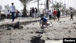 Daşary işler ministrliginiň öňünde bolan bombaly hüjümiň netijeleri, Aden, 15-nji aprel, 2016.