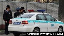 Алматылық жол полицейлері (Көрнекі сурет).