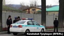 Алматылық полицейлер (Көрнекі сурет).