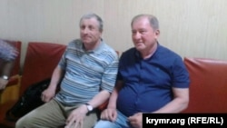 Ільмі Умеров і Микола Семена перед початком засідання