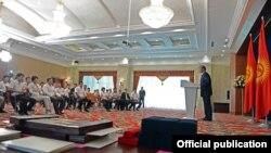 Президент КР поздравляет кыргызских спортсменов с победой