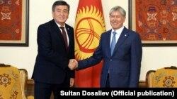 Алмазбек Атамбаев встретился с Сооронбаем Жээнбековым, 3 ноября 2017 г.