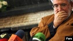مهدی کروبی، یکی از دو کاندیدای اصلاحطلب انتخابات دهم ریاست جمهوری