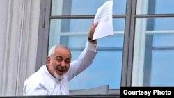 Иран сыртқы істер министрі Мохаммад Джавад Зариф келіссөз кезінде. Вена, 13 шілде 2015 жыл.