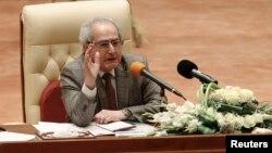 Исполняющий обязанности спикера парламента Ирака Мехди аль-Хафидх в ходе первой сессии парламента нового созыва. Багдад, 1 июля 2014 года.