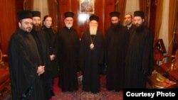 9 января 2012 года в Стамбуле, в здании Патриархии, состоялась встреча Святейшего Патриарха Константинопольского Варфоломея с представителями Совета Священной Митрополии Абхазии (фото с сайта gasloff.livejournal.com)