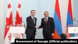 Ираклий Гарибашвили и Никол Пашинян (архивная фотография)