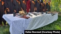 افرادی که به اتهام همکاری با گروه های طالبان و داعش در ولایت فراه دستگیر شده اند
