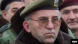 Lazarevic inspects Serb positions near the Serbian-Kosovar border town of Bujanovac in November 2000.