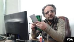 İran Azərbaycanından olan yazıçı Heydər Bayat.