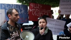 Armenia -- A demonstration against the impending sharp increase in the price of natural gas, Yerevan, 16May2013