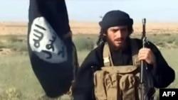 """""""Ислам мемлекеті"""" экстремистік ұйымының баспасөз хатшысы Әбу Мұхаммед әл-Аднани."""