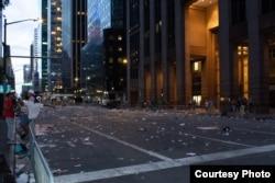 Мерекеден кейінгі Нью-Йорк көшесі. Фото автры - Артем Марусич.