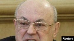 И.о. мэра Москвы Владимир Ресин с рвением, заметным не только блогерам, принялся искоренять наследие своего бывшего патрона - Юрия Лужкова
