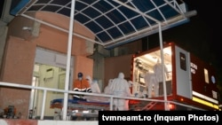 Pacienții Covid-19 de la ATI care au supraviețuit incendiului de la Piatra Neamț au fost duși la Lețcani, într-un spital modular.