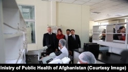 د عامې روغتیا وزارت وايي، هڅه کوي چې افغانستان ته د دغه ویروس د راتګ مخه ونیسي، خو د مخنیوي په اړهیې بشپړ ډاډ نهشي ورکولای.