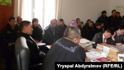 Жалал-Абаддагы сот жараянынан. 31-январь, 2012.