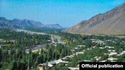 Узбекистанский эксклав Сох, полностью окруженный территорией Кыргызстана.