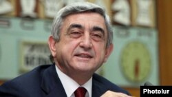 Armenia -- President Serzh Sarkisian chairs a meeting of the Armenian Chess Federation, 1Feb2011.