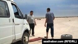 Путники в Туркменистане. Иллюстративное фото.