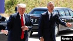 ABŞ-nyň prezidenti Donald Tramp NATO-nyň baş sekretary Ýens Stoltenberg bilen. Brýussel, 11-nji iýul, 2018