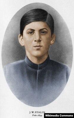 Stalin dini seminariyanın tələbəsi olarkən