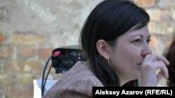 Пьесу «Комьюнити» написала редактор, журналист, театральный критик из Алматы Ольга Малышева. Алматы, 16 сентября 2016 года.