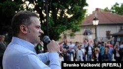 """Borko Stefanović na protestu """"Jedan od pet miliona"""" u Kragujevcu, maj 2019."""